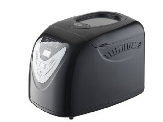bread maker with power 700W.