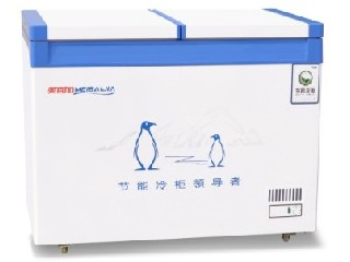 Single temperature top open freezer (extra thick insulation layer 258, 288)